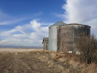 02 Looking across the prairie