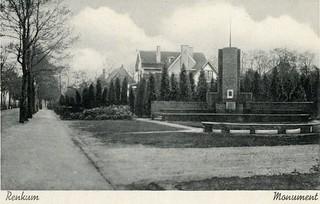 Renkum Utrechtseweg Joh de Beuker monument Prentbriefkaart uitg J sleding Amstersdam 1939 Collectie Gijs van der Lee Echos 2016 3