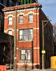 1638 W. Division Street (Brule Laker) Tags: chicago illinois wickerpark nearnorthwestside divisionstreet