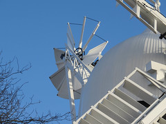 Holgate Windmill on Boxing Day 2017 - 4 (nican45) Tags: 2017 26december2017 26122017 boxingday canon december hwps holgate holgatewindmill powershot sx700hs york yorkshire cap fantail mill sail sails shutter windmill