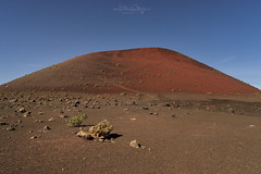 Der Rote Vulkan  / The red volcano (Claudia Bacher Photography) Tags: lanzarote spanien spain vulkan volcano rot red lava himmel heaven landschaft landscape natur nature outdoor sonya7r
