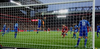 Kasper Schmeichel takes the ball, Liverpool v Leicester City, Premier League, December 2017