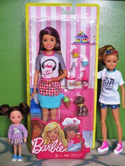 Skipper with Ice cream playset (flores272) Tags: kellydoll staciedoll skipperdoll barbie barbiedoll barbieplayset icecream doll dolls toysrus 2018barbie 2018 barbieclothing barbieaccessories