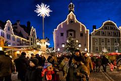 Christmas market Abensberg / Weihnachtsmarkt Abensberg (berndkru) Tags: canonef1635mmf4lisusm canoneos6d abensberg stadtplatz weihnachten christmas weihnachtsmarkt christmasmarket nacht night
