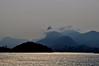 envolto em neblina (Ruby Ferreira ®) Tags: christtheredeemer bay baía fog city cidade silhuetas silhouettes