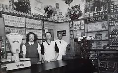 Renkum Kerkstraat 72 winkel van der Lee Foto Collectie Gijs van der Lee Echos 2016 3 (Historisch Genootschap Redichem) Tags: renkum kerkstraat 72 winkel van der lee foto collectie gijs echos 2016 3