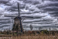 Kinderdijk windmill on a cloudy day (Clicks by Mike) Tags: fx d610 nikon travel nature clouds cloudy sky water holland windmill kinderdijk netherlands