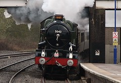 Photo of 5043 enters Hatton station  03-04-10