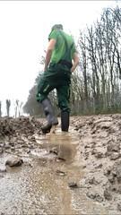 (Aigle_Benyl) Tags: muddyboots mud muddy matsch stiefelimmatsch stövler stiefel gummistiefel rubberboots wellies wellingtonboots rubberlaarzen bottes botteux
