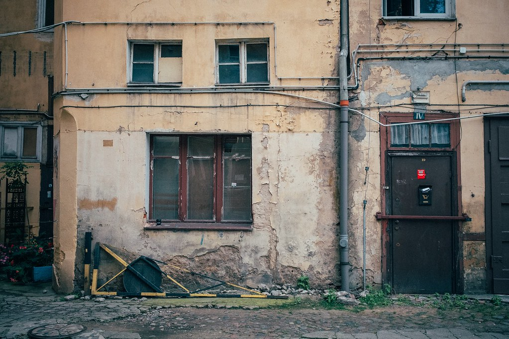 The World S Best Photos Of Door And Hinterhof Flickr Hive Mind