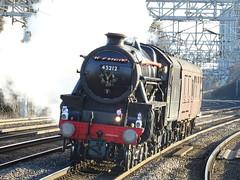 BR 45212 @ Rugeley Trent Valley (Sim0nTrains Photos) Tags: rugeleytrentvalley rugeleytrentvalleyrailwaystation wcml westcoastmainline wcmltrentvalley trentvalleyline rugeleytrentvalleystation 45212 lmsstanierblack5 stanierblack5 steamlocomotive londonmidlandscottishrailway black5 lmsblack5 britishrailways br williamstanier