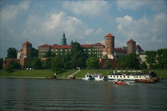Wisla and Wawel (*Kicki*) Tags: krakow polen poland castle river wisla wawel city sky water boat marine riverbank boats building architecture park tower church people grass trees green