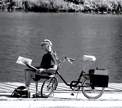 Artist-Nikon S4 (Preskon) Tags: nature person bike moselleriver brushes water paints paper palette saarbrückengermany