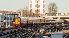 387209 (JOHN BRACE) Tags: 2015 bombardier derby built class 387 electrostar emu 387209 seen east croydon station gatwick express livery