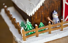 Happy Fence Friday! (ineedathis, Everyday I get up, it's a great day!) Tags: snowman fence happyfencefriday snow royalicing roof icicles carrot buttons coal gingerbreadhouse2017 miniature sugarwork gumpaste modeling baking nikond750 closeup