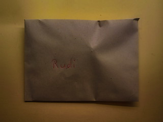 Inside the Envelope is my Thank Card for Rudi, my colleague, not Rudolph the red-nosed Reindeer. After the Story of the Potatoes, now the Story of the Nuts for the Nut Strudel Im Kuvert eine Danke Karte. Geschichte der Nüsse - Auf dem Weg zum Nußstrudel