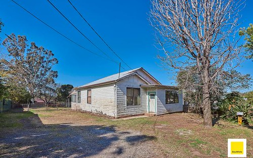 8 The Esplanade, Guildford NSW 2161