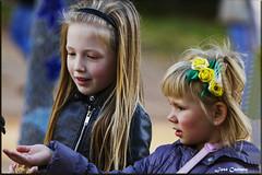 IMG_4601_Feeding the pigeons (Ajax_pt/Zecaetano) Tags: parque park children