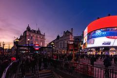 Colores en Picadilly Circus... (protsalke) Tags: cityscape people colors sunset urban lights bluehour london londres street calles nikon colores