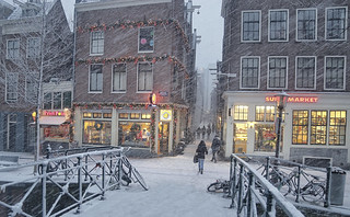 Strong winds and inches of snow in Amsterdam