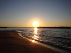 Sunset over Lake Erie (Itinerant Wanderer) Tags: pennsylvania erie presqueislestatepark beach sunset lakeerie greatlakes