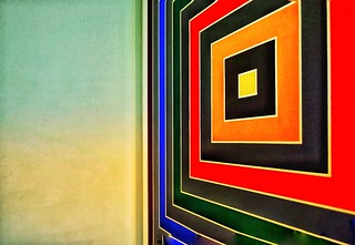 An angled capture of a stunning abstract painting by Frank Stella in the Peggy Guggenheim Collection Museum in Venice