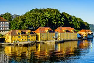 Ein Morgen in Bergen/Norwegen mit wundervollen Farben. (in Explore)