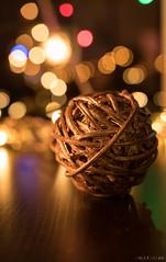 christmas...thing (chris4all) Tags: chris4all christmas christmasball chrimmis weihnachten bokeh light lichter tiefenunschärfe gold warm weihnachtsdeko weihnachtsbaumschmuck christmasstuff 1835mm a6500
