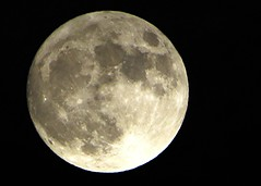 Supermoon January 1st 2018 (Stuart Axe) Tags: moon lunar sky themoon moonshot fullmoon nightsky space lune astronomy phase moonphase astrophotography supermoon england uk unitedkingdom gb greatbritain perigee diameter