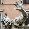 No comment! (Pablos55) Tags: statua statue uccello bird sorpresa surprise faccia face