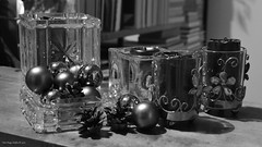 Christmas shapes (Zsofia Nagy) Tags: ourdailychallenge monocrome monochrome flickrlounge weeklytheme decoration blackwhite blackandwhite bw round sphere spheres pinecone candles shadows 7daysofshooting week24 anythinggoes blackandwhitewednesday