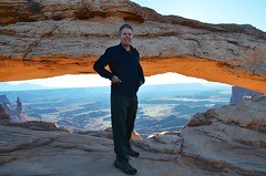 Peter At Mesa Arch (Joe Shlabotnik) Tags: canyonlandsnationalpark nationalpark mesaarch utah 2017 arch canyonlands peter justpeter november2017 afsdxvrzoomnikkor18105mmf3556ged