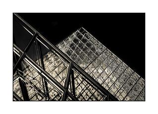Série Pyramide du Louvre : N° 20