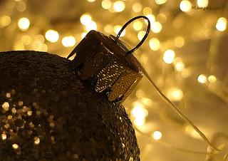 Golden Christmas Bokeh ...