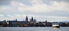Boot und Dom (LoggeJo) Tags: rheinschiff mainz rhein schiff panorama dom