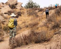 019 Climbing The Ridge (saschmitz_earthlink_net) Tags: 2018 california orienteering vasquezrocks aguadulce losangelescounty laoc losangelesorienteeringclub