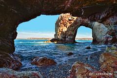 double arche à la pointe de Dinan (pascalkerdraon) Tags: france bretagne finistere espagnols falaise brittany presquile de crozon