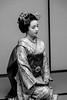 Fukukana(1) (callifra7) Tags: canoneos5dmarkiv ef24105mmf4lisusm japon kyoto asie quartierdemiyagawacho maisondethétakemoto noiretblanc maiko geiko geisha apprentiegeiko portrait