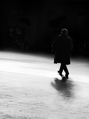 comon let's go (René Mollet) Tags: man go lonely step blackandwhite bw zürich street streetphotography shadow silhouette streetart streetphotographiebw station renémollet urban urbanstreet urbanlife hurry