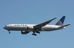 N77014 Boeing 777-224ER United (corkspotter / Paul Daly) Tags: n77014 boeing 777224er b772 29862 253 l2j jlar aa6b9f ual ua united airlines 1999 20111201 lhr egll london heathrow