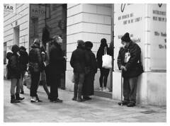 bread4all (TM1ka) Tags: monochrome blackandwhite noiretblanc sw bw leicam summicron5020vchrom street streetphoto urban tm1ka vienna austria leica m240