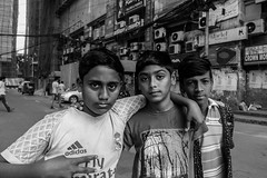 Good friends (Hiro_A) Tags: bangladesh bangladeshi boy boys dhaka banani monochrome blackwhite bw sony asia rx100m3