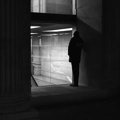 The spy (pascalcolin1) Tags: paris louvre homme man espion spy ombre shadows lumière light photoderue streetview urbanarte noiretblanc blackandwhite photopascalcolin 50mm canon50mm canon