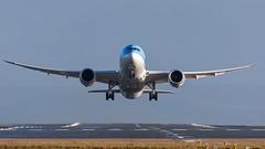 DSC_3759 (Leechy8) Tags: manchesterairport manchester takeoff rotation lights boeing b787 b7879 tui thomsonairways thomson dreamliner