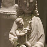 Chinese Madonna and Child thumbnail
