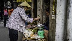 Street Vendor (voxpepoli) Tags: hanoi hànội vietnam vn