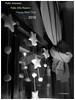 Con mis mejores deseos. With my best wishes. (Esetoscano) Tags: felizaninovo felizañonuevo happynewyear feliz2018 happy2018 luces lights reflejos reflections brillos shines estrellas stars sombras shadows cortina curtain lazo tie bw bn byn monocromo monochrome esetocano
