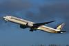 9V-SNA Boeing B777-312(ER) EGLL 14-12-17 (MarkP51) Tags: 9vsna boeing b777312er b777 singaporeairlines sq sia london heathrow airport lhr egll england aviation jet airliner aircraft airplane plane image markp51 nikon d7200 sunshine sunny aviationphotography