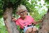 7570 (RebeckaEA) Tags: astrid girl blonde sweden dutch happy smile goofy climbing treeclimbing