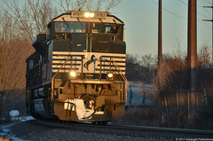Golden Hour Southbound (Arkangel Productions) Tags: norfolk southern ns dh southline 30t sd70m2 sydney